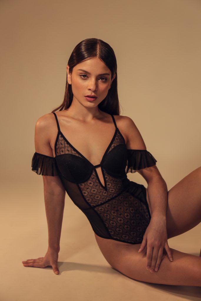 Ariana Saavedra 2